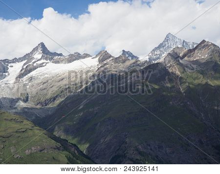 Brilliant Geological Alpine Mountains Range Landscapes In Swiss Alps At Switzerland, Rocky Scenery F
