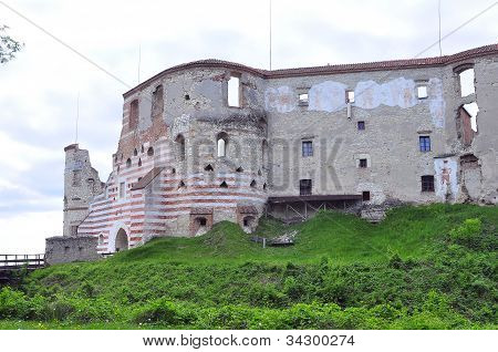 Janowiec Castle in Poland