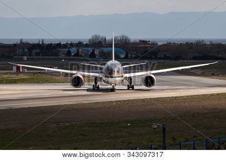 Istanbul / Turkey - March 29, 2019: Royal Jordanian Airlines Boeing 787-8 Jy-bab Passenger Plane Dep