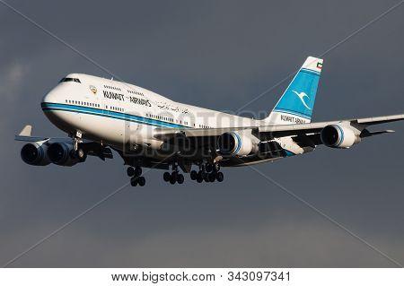 Frankfurt / Germany - December 6, 2012: Kuwait Airways Boeing 747-400 9k-ade Passenger Plane Landing
