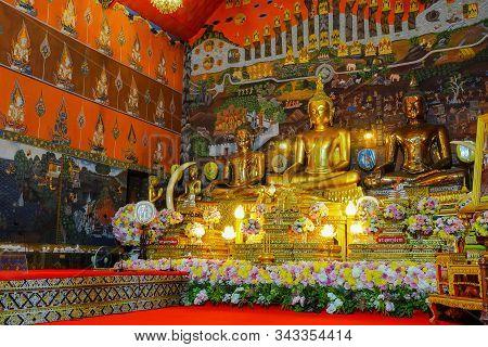 Ayuthaya, Thailand - November 29, 2019: Beautiful Buddha Statue In Wat Phananchoeng Worawihan, Ayuth