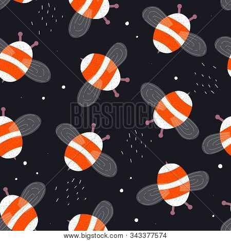 Seamless Pattern With Cartoon Bumblebees, Decor Elements On A Neutral Background. Flat Colorful Vect