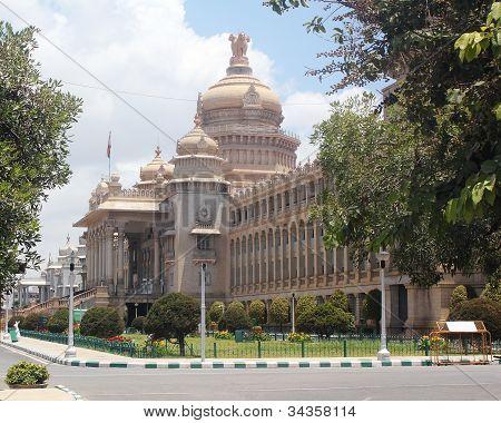 Landmark Monuments & Iconic Structures Of Garden City Of Bangalore Built Using Granite Rocks - Karna