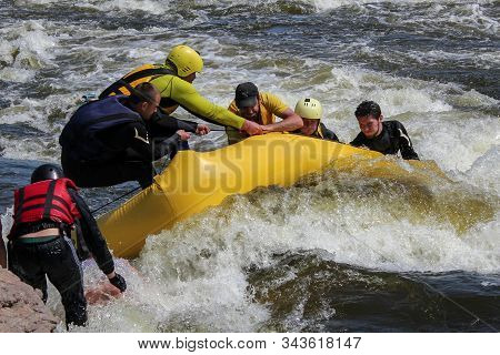 Victoria Falls / Zambia 26 06 2019:   Accident In Rafting. A Group Of Rafters Encounter A Rescue Ope