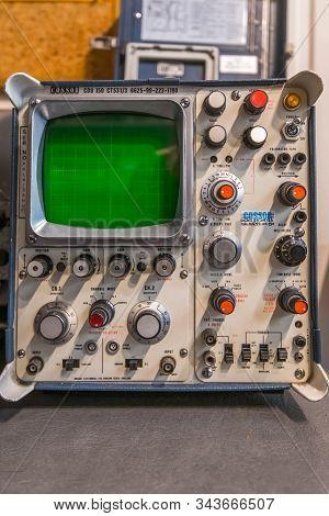 Doncaster, Uk - 28th July 2019: Close Up Of A Cossor Cdu 150 Oscilloscope At An Aircraft War Museum