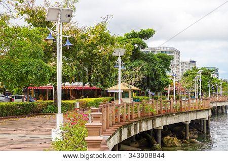 Kota Kinabalu,sabah-mac 26,2018:view Of The Famous Kinabalu Waterfront Promenade In Kota Kinabalu,sa