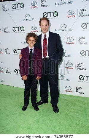 LOS ANGELES - OCT 18:  Raphael Sbarge, Django Sbarge at the 2014 Environmental Media Awards at Warner Brothers Studios on October 18, 2014 in Burbank, CA