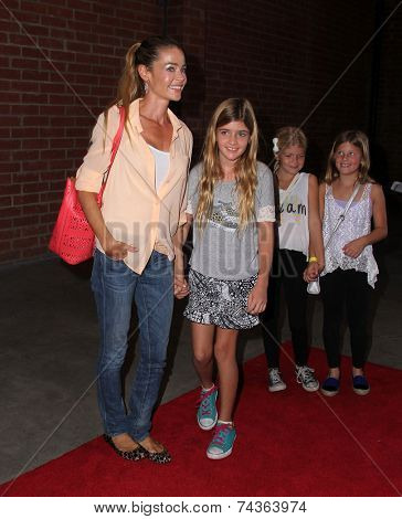 LOS ANGELES - OCT 19:  Denise Richards at the 25th Annual