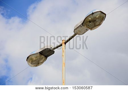 streetlight against the background of the cloudy sky