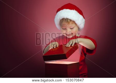 the happy boy open christmas gift-box