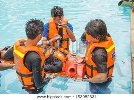 WATER RESCUE TRAINING OCTOBER 21-222016 KANCHANABURI THAILAND : water rescue training course victime drowning and c-spine injury case in the pool october21-22 2016 kanchanaburi in Thailand