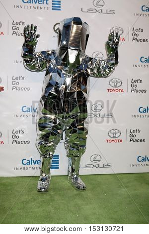 LOS ANGELES - OCT 22:  Choi Jin-woo, aka Hitchhiker, aka DJ Hitchhiker at the 26th Annual Environmental Media Awards at Warner Brothers Studio on October 22, 2016 in Burbank, CA