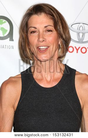 LOS ANGELES - OCT 22:  Wendie Malick at the 26th Annual Environmental Media Awards at Warner Brothers Studio on October 22, 2016 in Burbank, CA