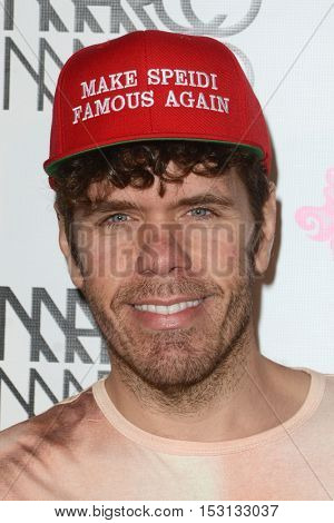 LOS ANGELES - OCT 21:  Perez Hilton at the Marco Marco Fashion Show at Globe Theater on October 21, 2016 in Los Angeles, CA