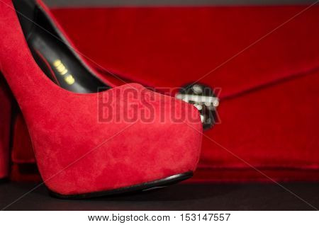 Red stilleto women and red woman pocket