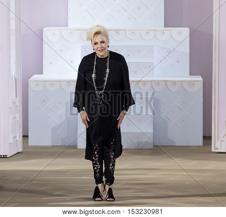 Ines Di Santo - Fall 2017 Collection - New York Fashion Week Bridal