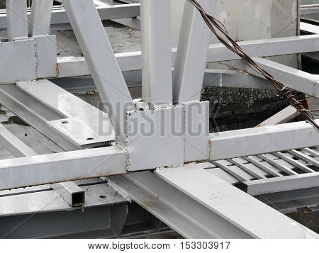 metal construction on the roof of the building.