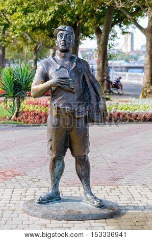 """Gelendzhik, Krasnodar Krai, Russia - August 23, 2016. """"The Tourist"""" Sculpture."""