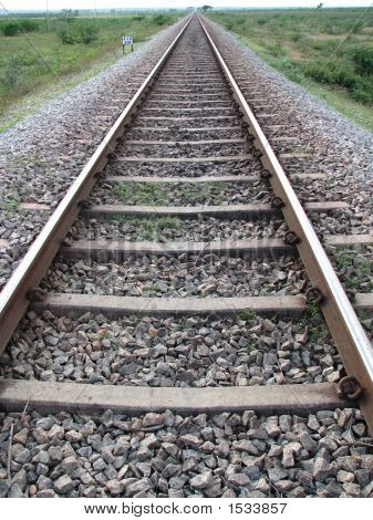 Long_Railway_Track
