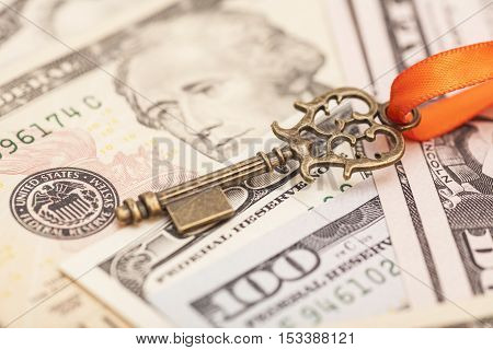 Key to success on different dollar banknotes