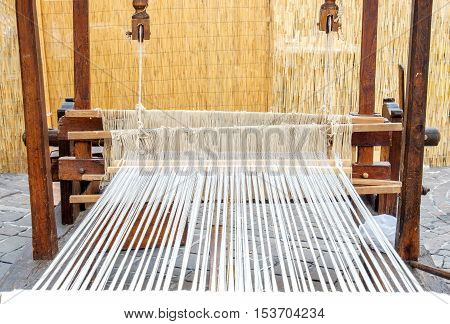 weaving loom old wooden textile industry tradiction