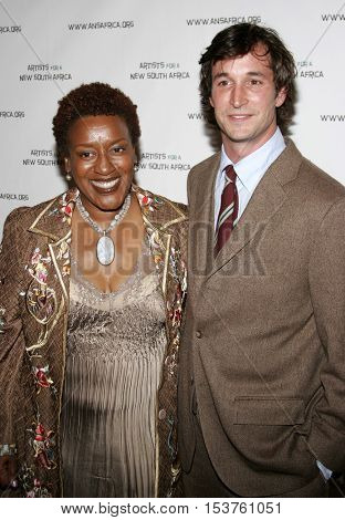 CCH Pounder and Noah Wyle at the Archbishop Desmond Tutu's 75th Birthday Party held at the Regent Beverly Wilshire Hotel in Beverly Hills, USA on September 18, 2006.