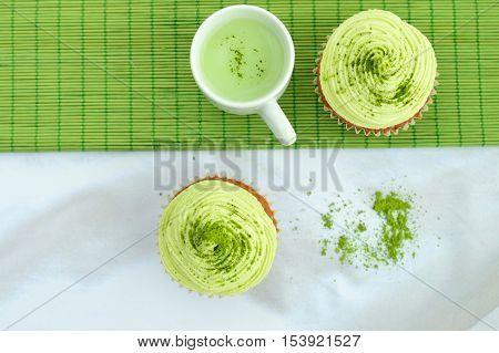 Matcha green tea cupcakes with Matcha latte