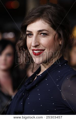 LOS ANGELES - NOV 14: Mayim Bialik arrives at the World Premiere of 'The Twilight Saga: Breaking Dawn Part 1' held at Nokia Theater L.A. Live on November 14, 2011 in Los Angeles, California