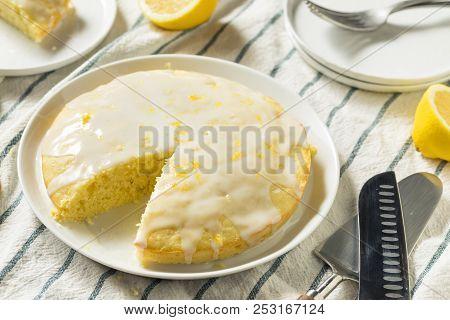 Sweet Homemade Yellow Lemon Lemoncello Cake