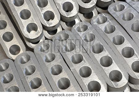 High Quality Ductile Iron Casting Parts ; Selective Focus