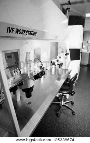 In Vitro Lab Workstation