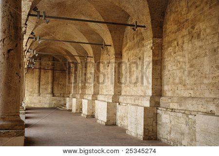 Minor cloister of San Francesco, Ascoli Piceno