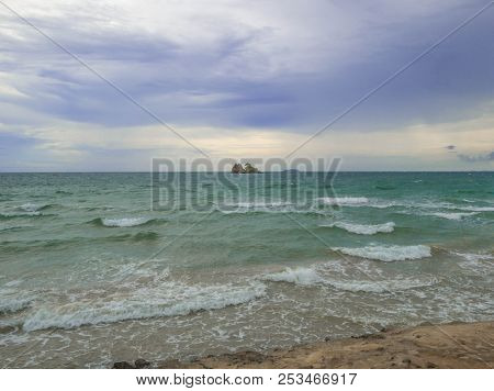 Idyllic Ocean Under Cloudy Sky In Vacation Time,summer Concept