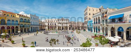 Havana, Cuba-october 8, 2016. Panoramic View Of Old Square Plaza Vieja Surrounded By Colonial Buildi