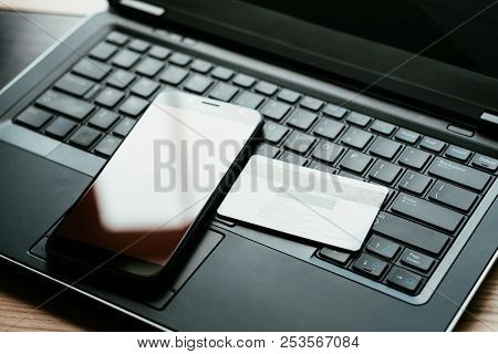Mobile Commerce. Develop Your Business Online. Make Money On The Internet By Selling Goods Through S