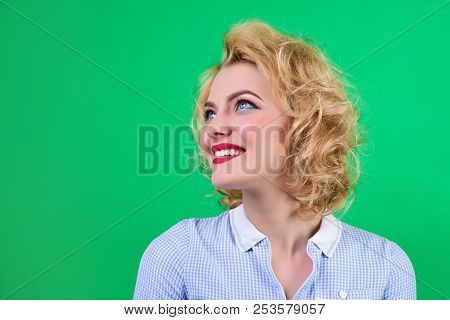 Pin Up. Retro Style. Woman With Bright Makeup. Portrait Of Smiling Pin Up Woman. Pin-up Clothes. Por