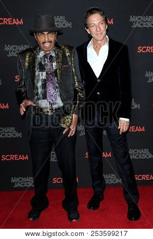 LOS ANGELES - OCT 24: Joe Jackson, John Branca at Michael Jackson Scream Halloween Takeover at TCL Chinese Theatre IMAX on October 24, 2017 in Los Angeles, California