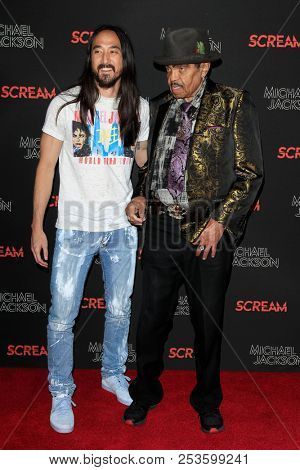 LOS ANGELES - OCT 24: Steve Aoki, Joe Jackson at Michael Jackson Scream Halloween Takeover at TCL Chinese Theatre IMAX on October 24, 2017 in Los Angeles, California