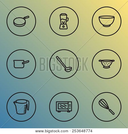Dishware Icons Line Style Set With Casserole, Blender, Bowl And Other Smoothie Elements. Isolated Ve