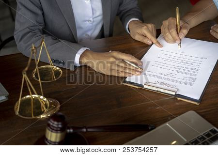 Scales Of Justice, Judge Gavel, Make An Agreement, Make A Contract
