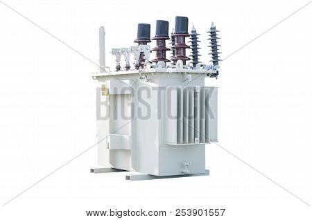 Three Phase (160 Kva) Corrugated Fin Hermetically Sealed Type Oil Immersed Transformer, Isolated On
