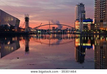 Pink sky at Lowry salford quays
