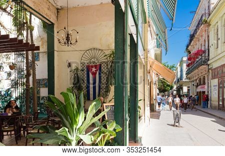 Havana, Cuba - October 03, 2018: View Of The Pedestrian Zone With Tourists In The Old Town From Hava