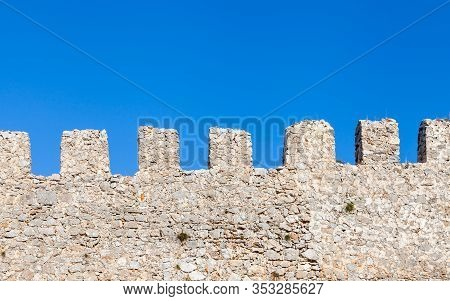 Castle Ramparts.  The Ramparts Of Alanya Castle In Southern Turkey.  The Medieval Castle Dates Back