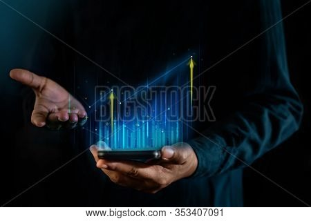Technology, High Profit, Stock Market, Business Growth, Strategy Planing Concept. A Man Presenting G