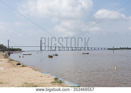 Rosario, Santa Fe / Argentina: Jan 4, 2017: Rosario - Victoria Bridge, Over The Parana River