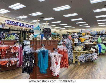 Houston, Tx/usa-2/25/20:  Beachwear At A Buc Ees.  The Buc Ees Gas Station, Fast Food Restaurant, An