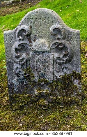 Culross, Scotland  - September 16 2019: Headstones In The Culross Abbey Cemetery In Dunfermline, Fif