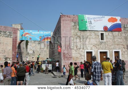 18 Havana International Book Fair - Xi