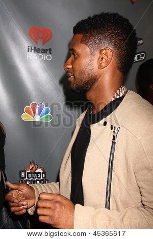 LOS ANGELES - MAY 8:  Usher arrives at